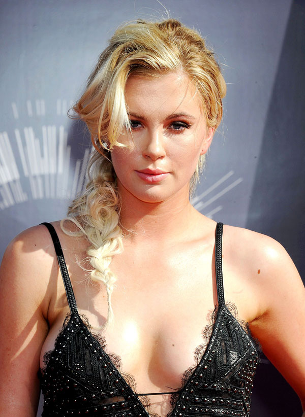 Ireland Baldwin jumps on the trend for braids with a knotted, loose style