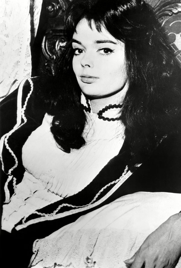 Scream Queens - Barbara Steele