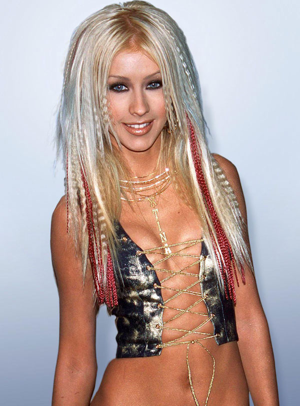 10 Celebrity Hair Extension Disasters - Christina Aguilera