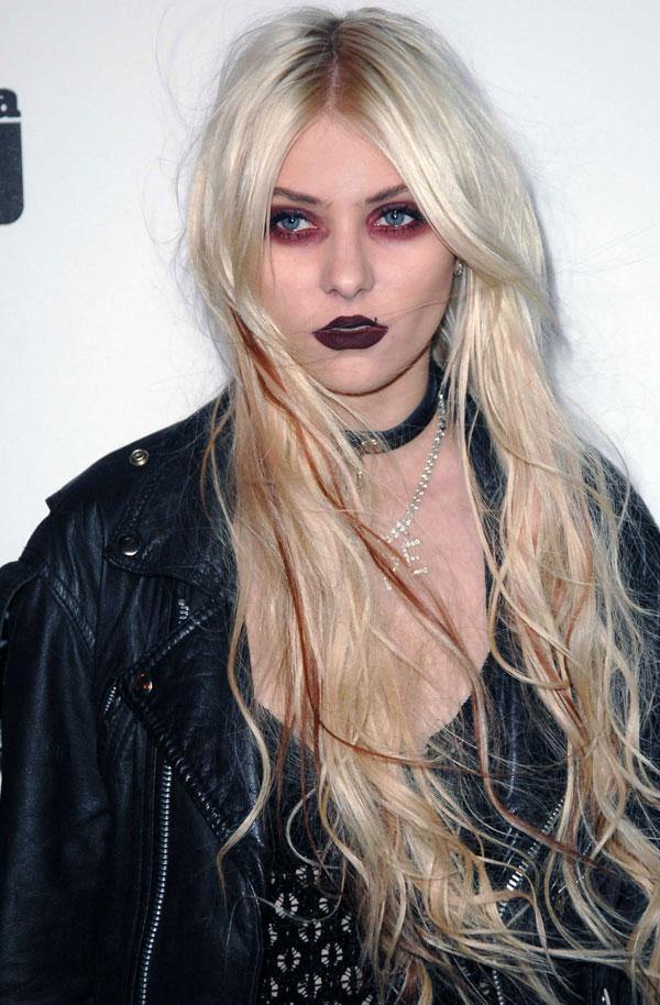 Worst Celebrity Hair Extensions - Taylor Momsen